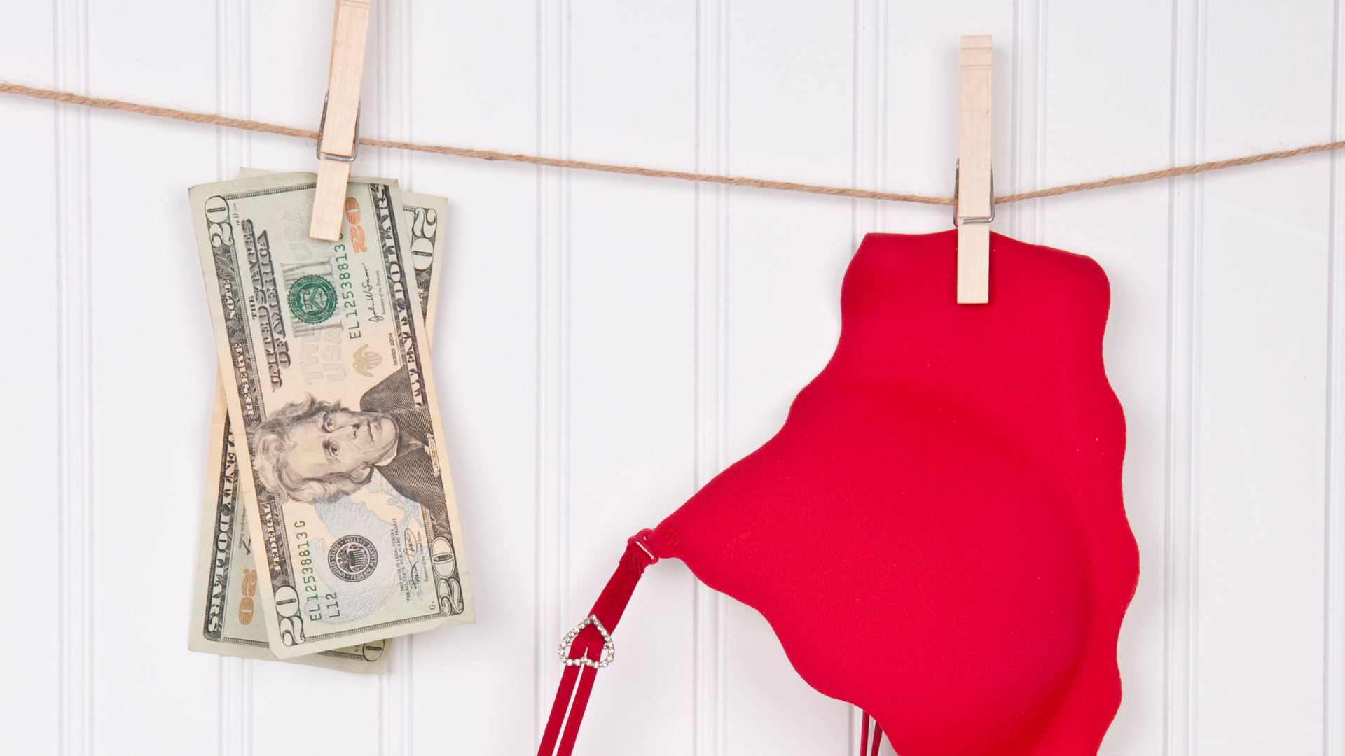 How to Save Money When Shopping for Clothes?